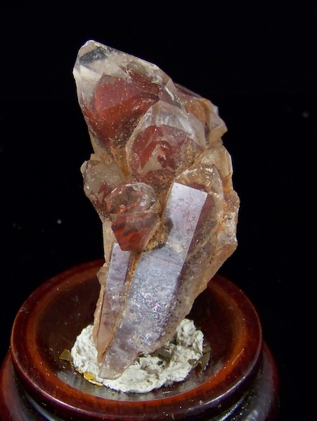 09-00462 Red Phantom Quartz
